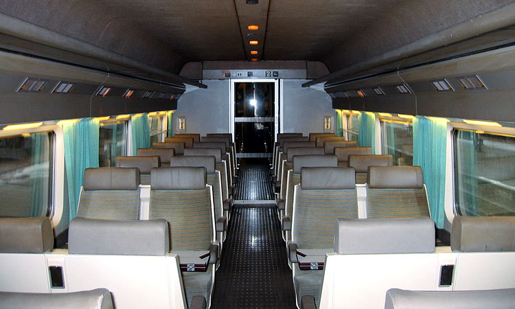 Pin hochgeschwindigkeitszug tgv thalys on pinterest for Interieur tgv